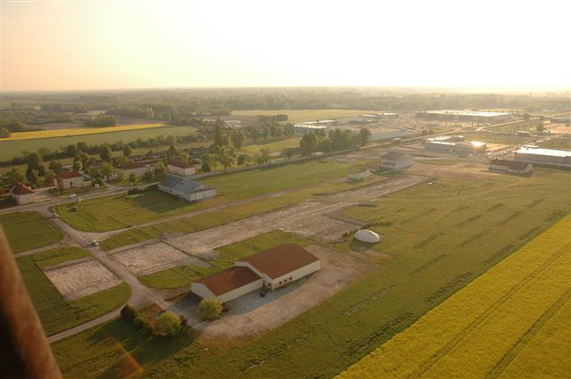 La plaine de Romilly sous un coucher de soleil, vu du ciel champenois